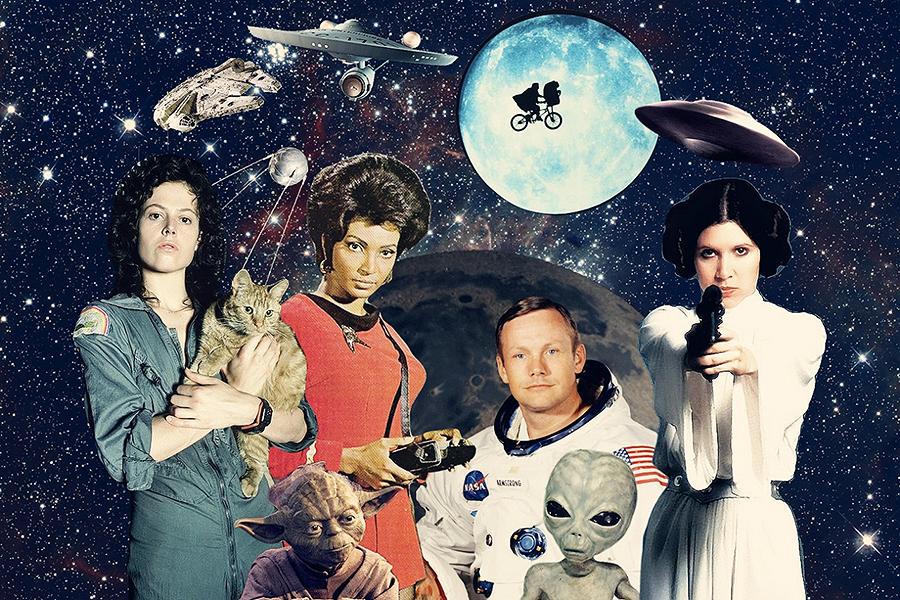 Medsols från övre vänstra hörnet: rymdskeppetMillenium Falcon, rymdskeppet USS Enterprise, kompisarna Elliot & E.T., klassiskt flygande tefat, prinsessan Leia, typisk grå utomjording, första människan på månen Neil Armstrong, kommunikationsofficernUhura, jediriddaren Yoda, interstellära malmfraktaren Ripley & besättningskatten Jones, och satelliten Sputnik 1.